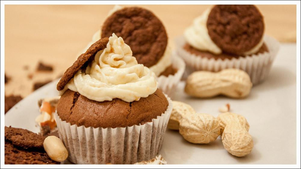 Schoko-Erdnuss-Karamell-Cupcakes